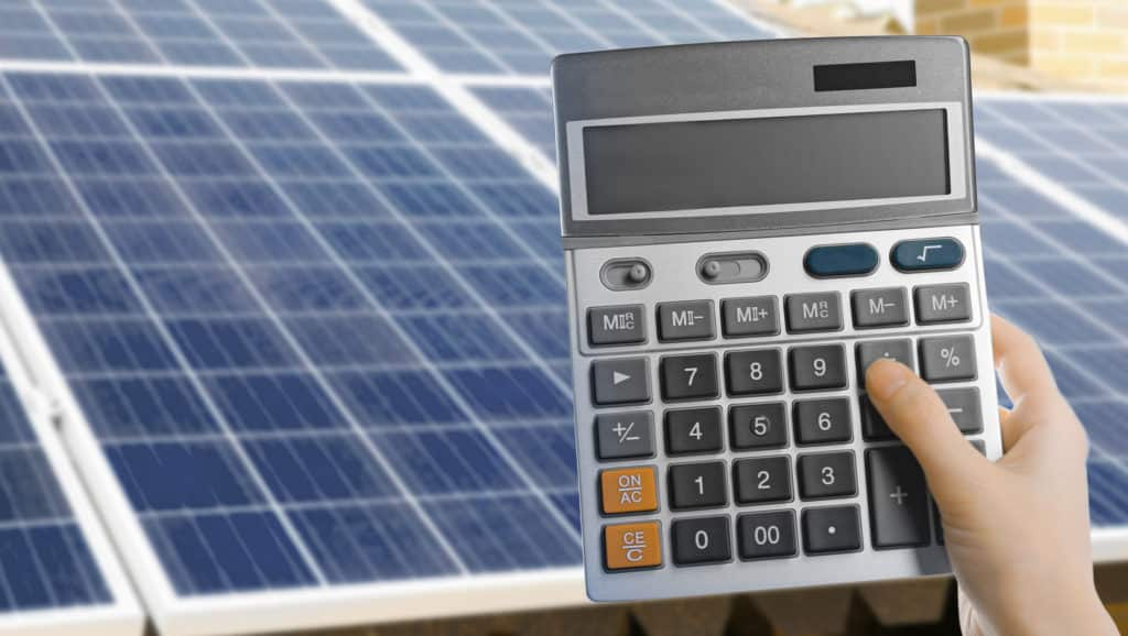 Calculator-And-Solar-Panel-Benefits